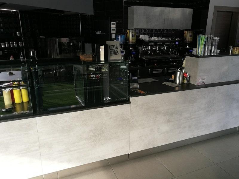 grey cafe vitrines posto cafe 1