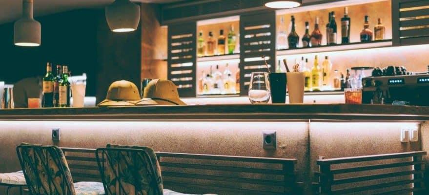 meerkat cocktail safari bar 1 879x400 1