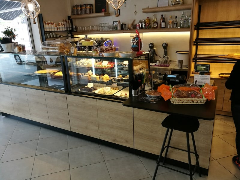 stefanos bakery vitrines artopoieiou 2 1