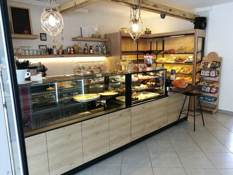 stefanos bakery vitrines artopoieiou 4 1